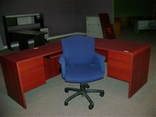 Global Furniture Secretarial Desk w/ Return